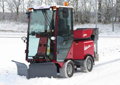 TIMAN VPM 3400 im Winterdienst-Einsatz