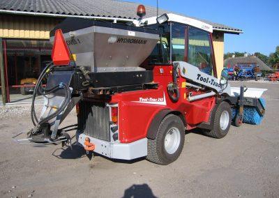 TIMAN Tool-Trac mit Winterdienstausrüstung